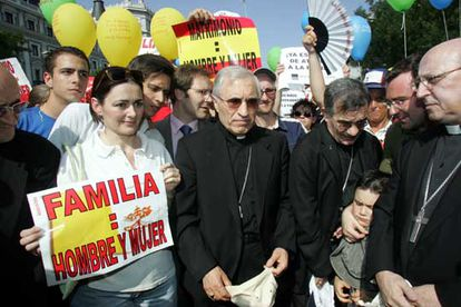 Antonio María Rouco y otros obispos, durante la manifestación contra el matrimonio homosexual en junio pasado.