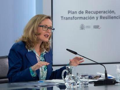 La vicepresidenta segunda y ministra de Asuntos Económicos y Transformación Digital, Nadia Calviño, en el Palacio de La Moncloa.