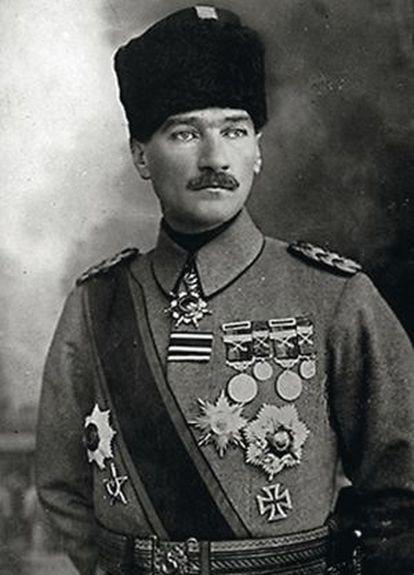El padre de la República de Turquía tuvo un papel vital del lado otomano enlabatalla.