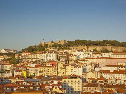Las últimas investigaciones colocan en la colina del Castillo de San Jorge (en la imagen) un gran asentamiento fenicio en Lisboa.