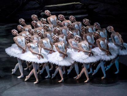 'El lago de los cisnes', por el Ballet Nacional de Praga.