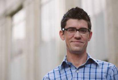 Zachary Turpin, el investigador que rescató del olvido la novela de Whitman.