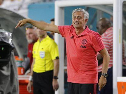 Mourinho, en el partido del United contra el Madrid.