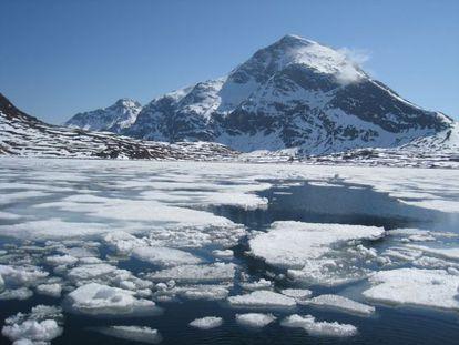 Deshielo en el Ártico a causa del aumento de las temperaturas provocado por el cambio climático.