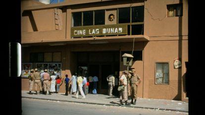 Image of 'Overseas memories', in which the Las Dunas cinema appears, in El Aaiún (Sahara).