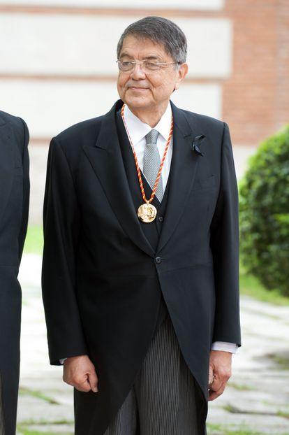 Ramírez, tras recibir el Premio Cervantes en abril de 2018.