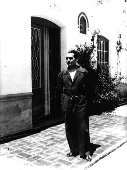 Lorca, en la Huerta de San Vicente, 1935.