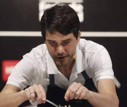 """El joven chef peruano Virgilio Martínez durante la tercera jornada de la XII Cumbre Internacional de Gastronomía """"Madrid Fusión""""."""