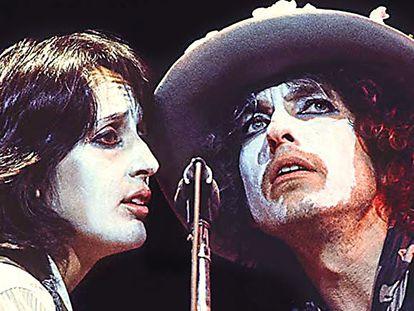 Bob Dylan y Joan Báez en una escena de 'Rolling Thunder Revue', de Martin Scorsese.