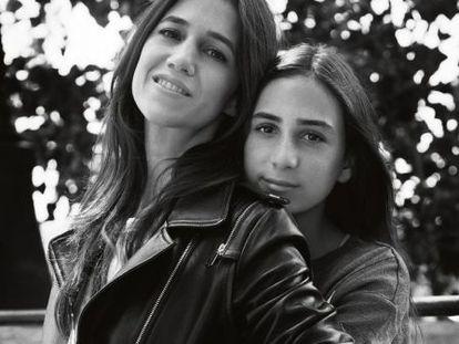 Charlotte Gainsbourg y Alice Attal en la campaña de la casa francesa.