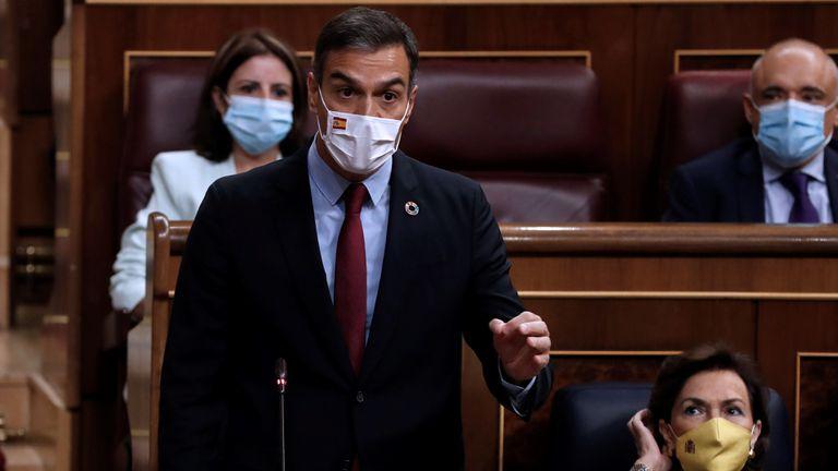 GRAF5183. MADRID, 16/09/2020.- El presidente del Gobierno, Pedro Sánchez durante su intervención en la sesión de control al Gobierno que se celebra este miércoles en el Congreso. EFE/ J.J. Guillén