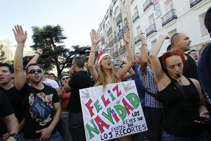 Protesta de los funcionarios frente al Congreso.