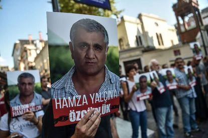 Manifestación en favor de Hamza Yalçin en Estambul el pasado domingo.