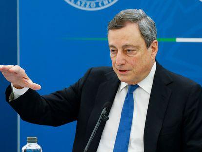 El primer minisitro italiano, Mario Draghi, durante la rueda de prensa de este viernes.