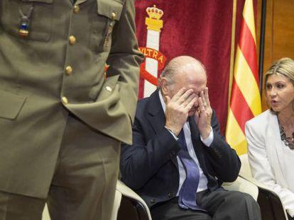 El ministro del Interior, Jorge Fernández junto a la delegada del Gobierno en Cataluña, Llanos de Luna.