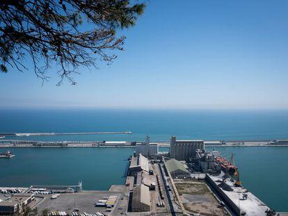 El puerto de Barcelona, vacío de barcos durante el estado de alarma.