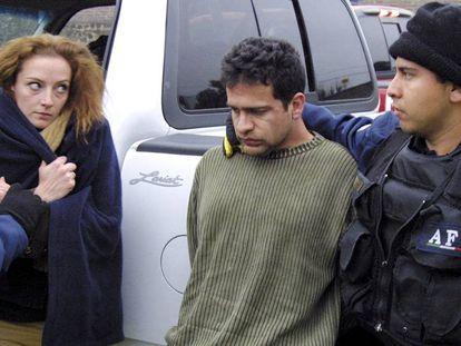 Florence Cassez e Israel Vallarta, en el momento de su arresto en 2005.