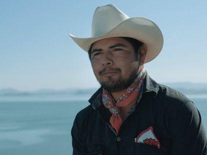 El defensor ambiental yaqui Luis Urbano, en un fotograma del documental 'Laberinto Yo'eme', grabado en Sonora en 2020.