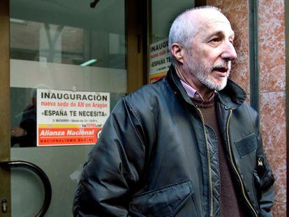 Pedro Pablo Peña, líder de Alianza Nacional, a la inauguración de un local de su partido en Zaragoza en 2010.