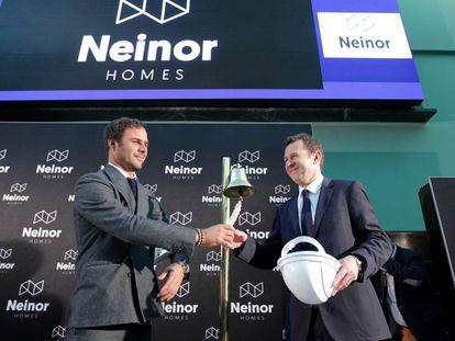 El consejero delegado de Neinor, a la derecha, el día de la salida a bolsa.