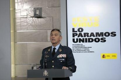 El jefe del Estado Mayor de la Defensa, Miguel Ángel Villarroya, interviene en la comparecencia para informar sobre los datos actualizados del coronavirus.