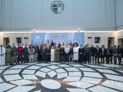 El lehendakari se ha reunido con 39 imanes de mezquitas vascas.