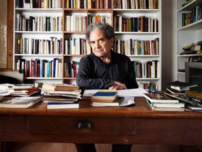 Ricardo Piglia, en su casa, en 2015.