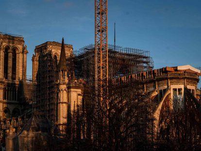 Los trabajos de consolidación de Notre Dame no han concluido aún