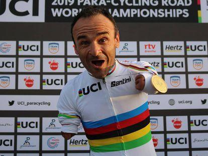 Ricardo Ten, tras su victoria en el último Mundial de ciclismo.