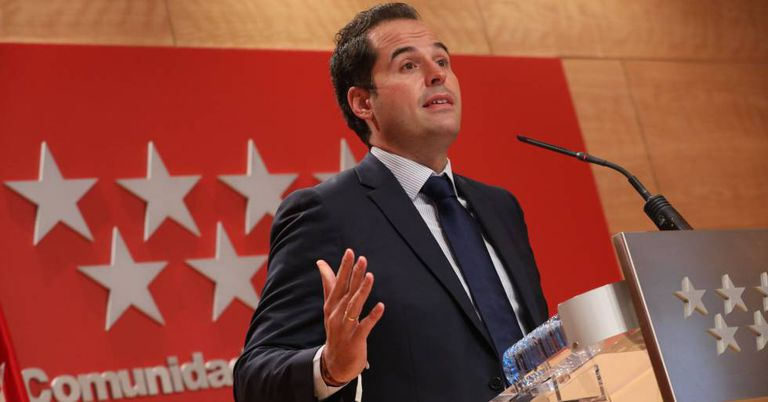 El vicepresidente, consejero de Deportes, Transparencia y portavoz de la Comunidad de Madrid, Ignacio Aguado, durante la rueda de prensa donde ha anunciado la extensión de Radar Covid a todo el territorio.