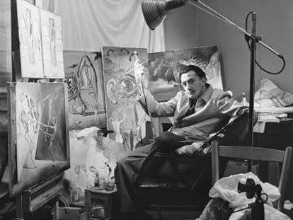 Dalí, en su estudio en Nueva York en 1943.