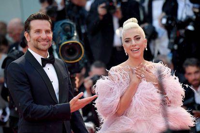Bradley Cooper y Lady Gaga durante la presentación de 'Ha nacido una estrella' en el Festival de Cine de Venecia.