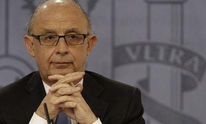 El ministro de Hacienda, Cristóbal Montoro, durante la rueda de prensa posterior a la reunión del Consejo de Ministros.