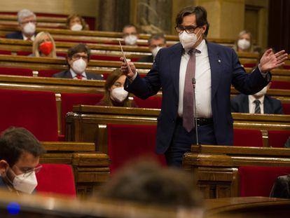 Salvador Illa y Pere Aragonès en el pleno del Parlament.