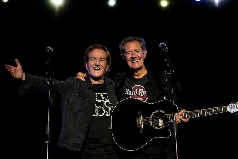 Manuel de la Calva y Ramón Arcusa, el Dúo Dinámico, durante un concierto en Sitges en 2019. Foto, Daniel Portes.