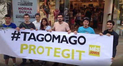 Ecologistas protestan contra la explotación turística del islote Tagomago, de 1.500 metros de largo y 113 de ancho.