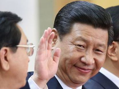 El presidente chino Xi Jinping junto al primer ministro Li Keqiang, derecha.