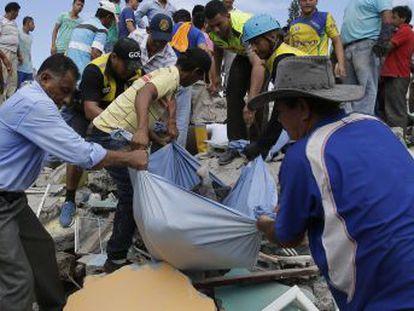 Más de 420.000 ecuatorianos viven en España, donde era madrugada cuando se registró el terremoto