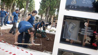 Exhumación de los restos del represaliado José Valls en Castellón.