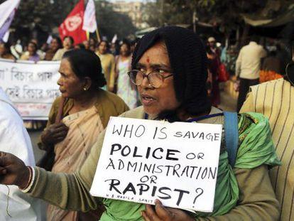 Manifestación en contra del caso de violación y asesinato conocido en Calcuta el pasado 3 de enero.