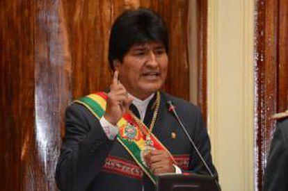 Foto cedida por la Agencia Boliviana de Información (ABI) que muestra al presidente boliviano, Evo Morales, mientras presenta su informe anual de gestión ante el Legislativo este 22 de enero, en La Paz (Bolivia).