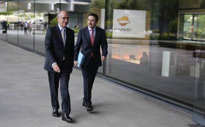 El presidente de Repsol, Antonio Brufau y el consejero delegado, Josu Jon Imaz, el pasado junio