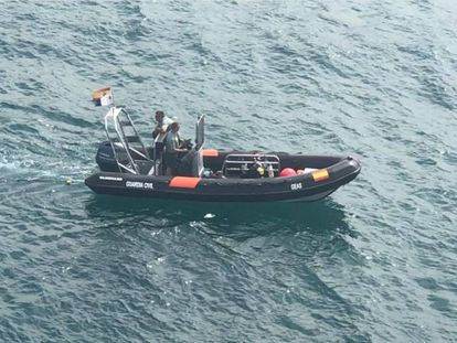 Dispositivo de búsqueda de los submarinistas de la Guardia de los desaparecidos en Arguineguín.