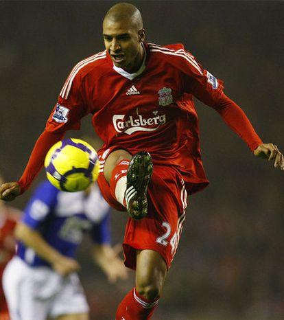 N'Gog, durante un partido con el Liverpool.