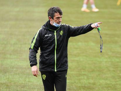 Pacheta en un entrenamiento del Huesca.