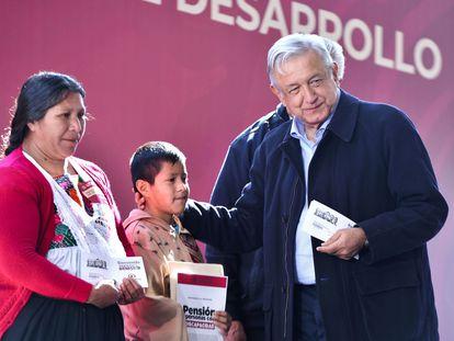 López Obrador, en una visita al municipio de Huauchinango (Puebla).
