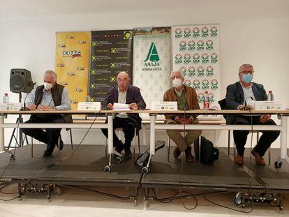 Los responsables de COAG, UPA, Asaja y Cooperativas Agroalimentarias en Andalucía, este jueves en Sevilla.