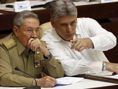 Raúl Castro y Miguel Diaz-Canel, en 2013.