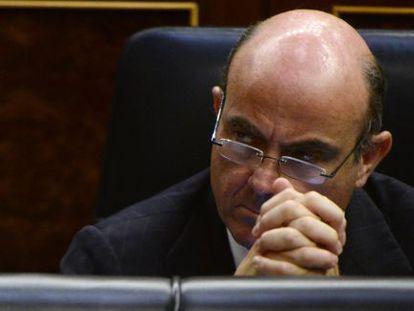 Luis de Guindos en el Congreso de los Diputados el miércoles.