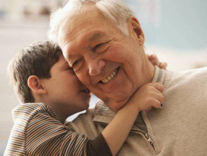 Un juez otorga a dos abuelos la custodia de su nieto y obliga a los padres a pagar una pensión de alimentos